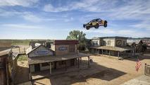 Rekor kıran kamyonet atlayışı