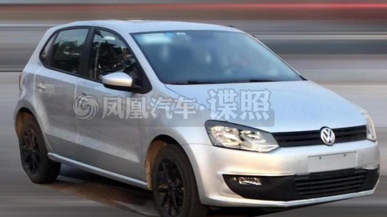 2014 Volkswagen Polo facelift spy photo