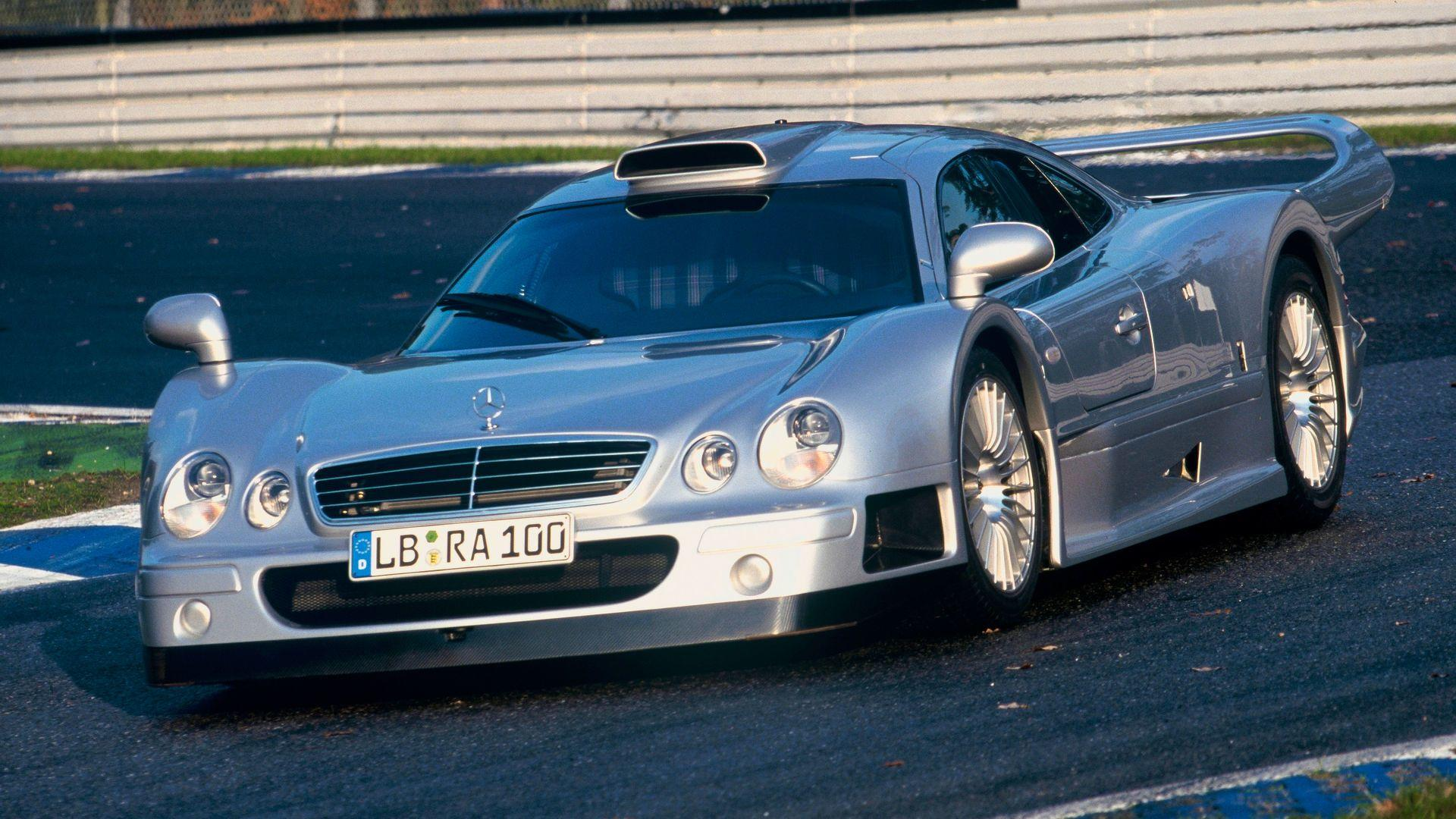 revisit the mercedes amg clk gtr in this short but sweet video. Black Bedroom Furniture Sets. Home Design Ideas