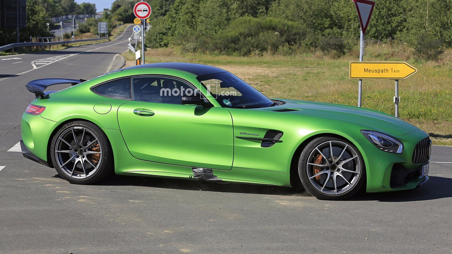 Mercedes-AMG GT4 yol otomobili yakalandı