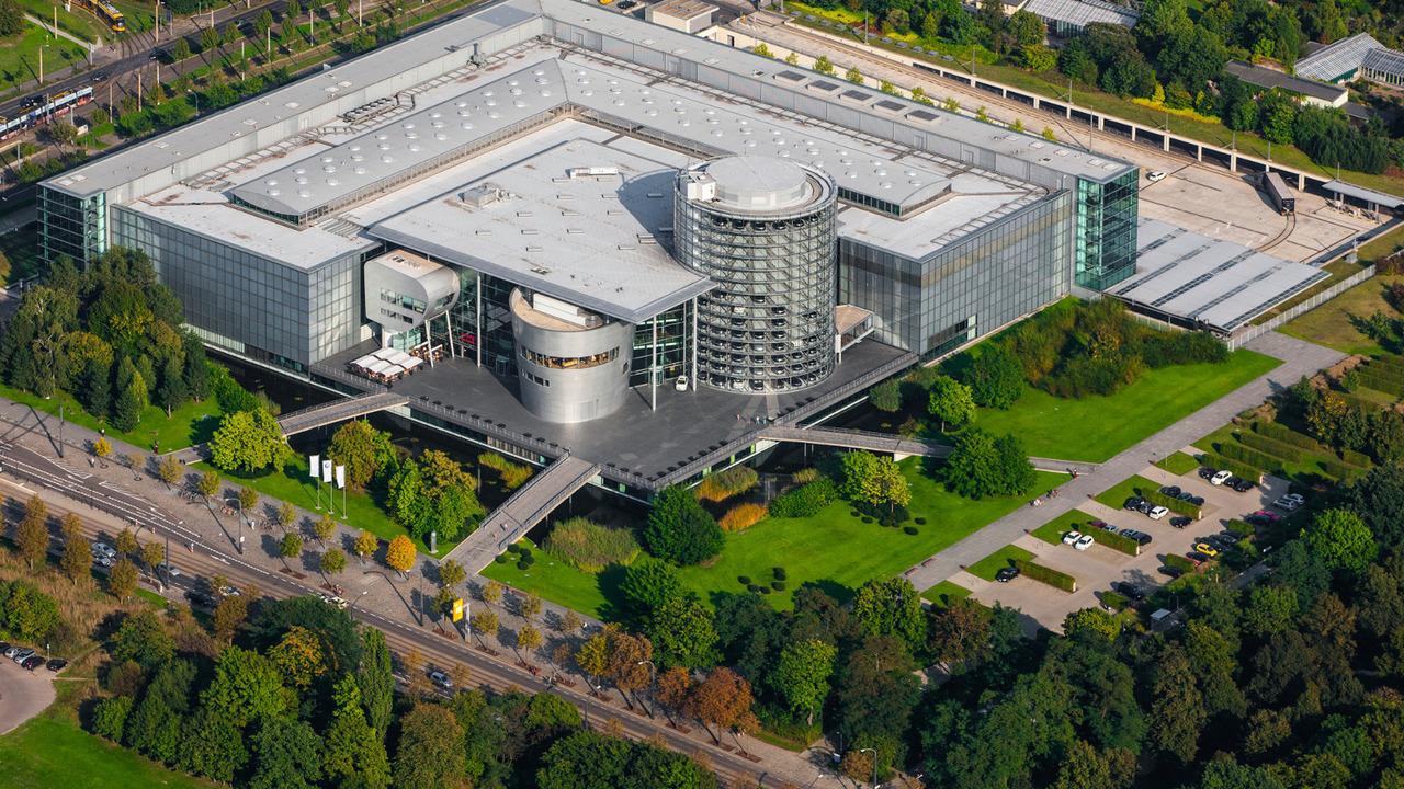VW Transparent Factory