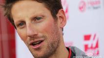 Romain Grosjean, Haas F1 Team VF-16 avec les médias