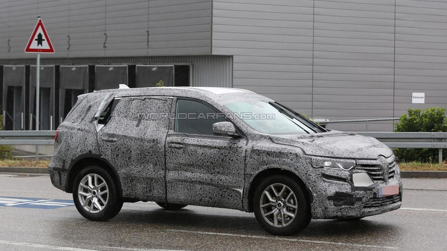 2016 Renault Koleos spied showing new details