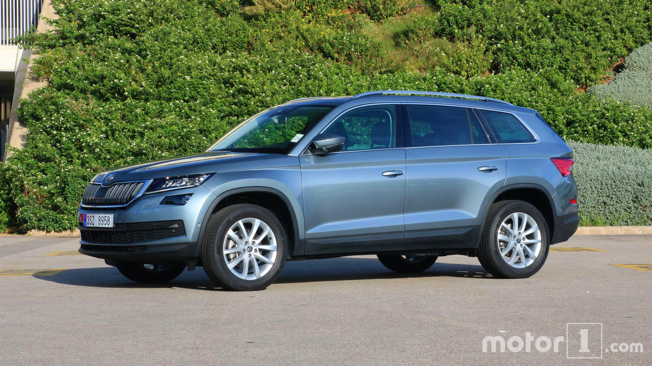 2017 skoda kodiaq first drive our french friends get a first taste. Black Bedroom Furniture Sets. Home Design Ideas