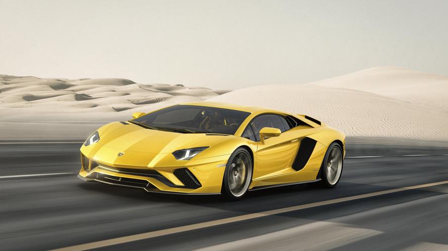 Lamborghini Aventador S debuts with more power, rear-wheel steering