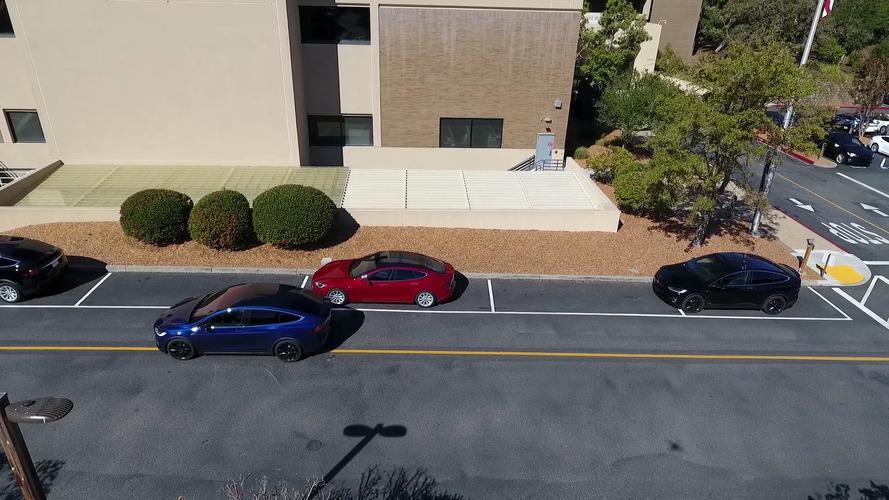 Tesla yeni otonom sürüş donanımının yeteneklerini gösteriyor