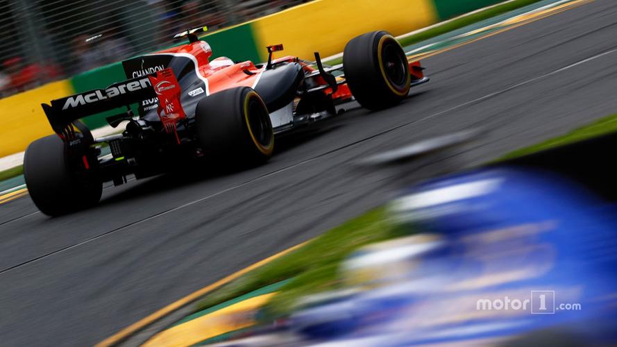 Hamilton logra su cuarta pole consecutiva en Australia