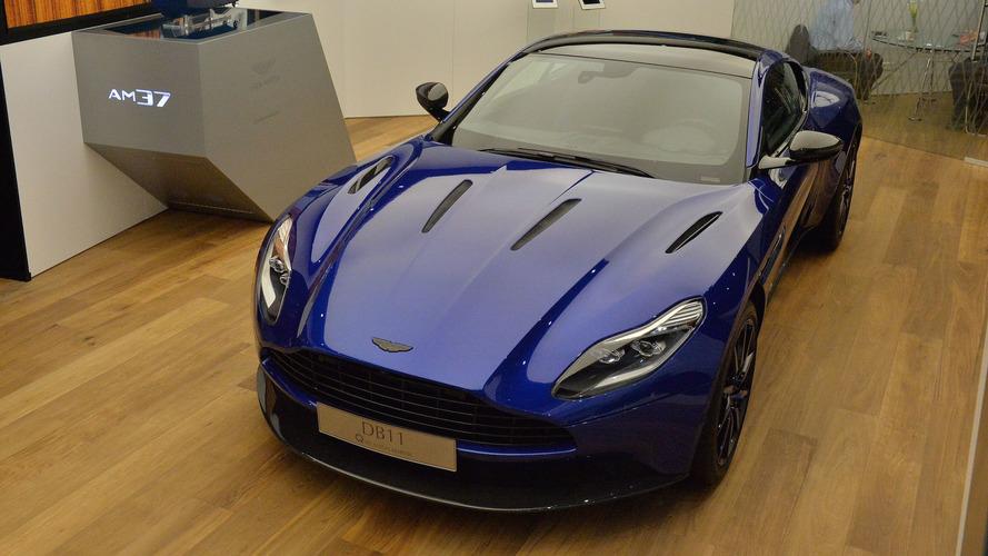 Aston Martin DB11 by Q, masmavi esintisi ile geldi