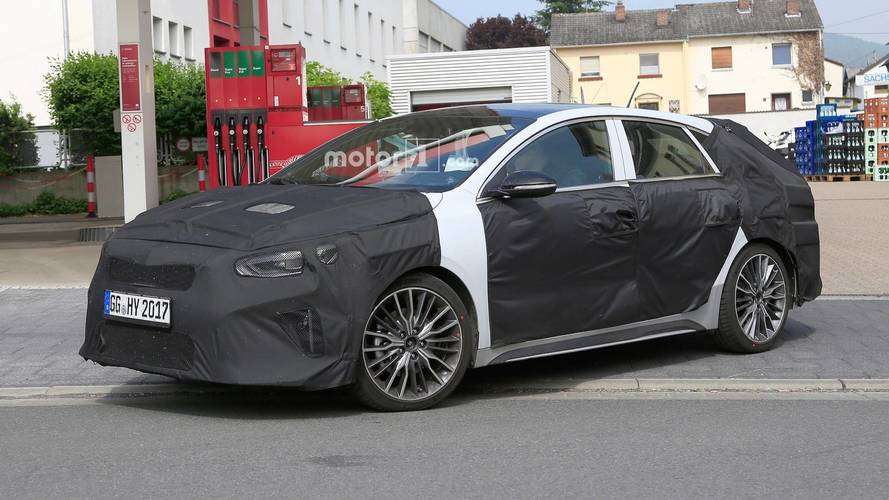 Kia Proceed Shooting Brake Spied For The First Time