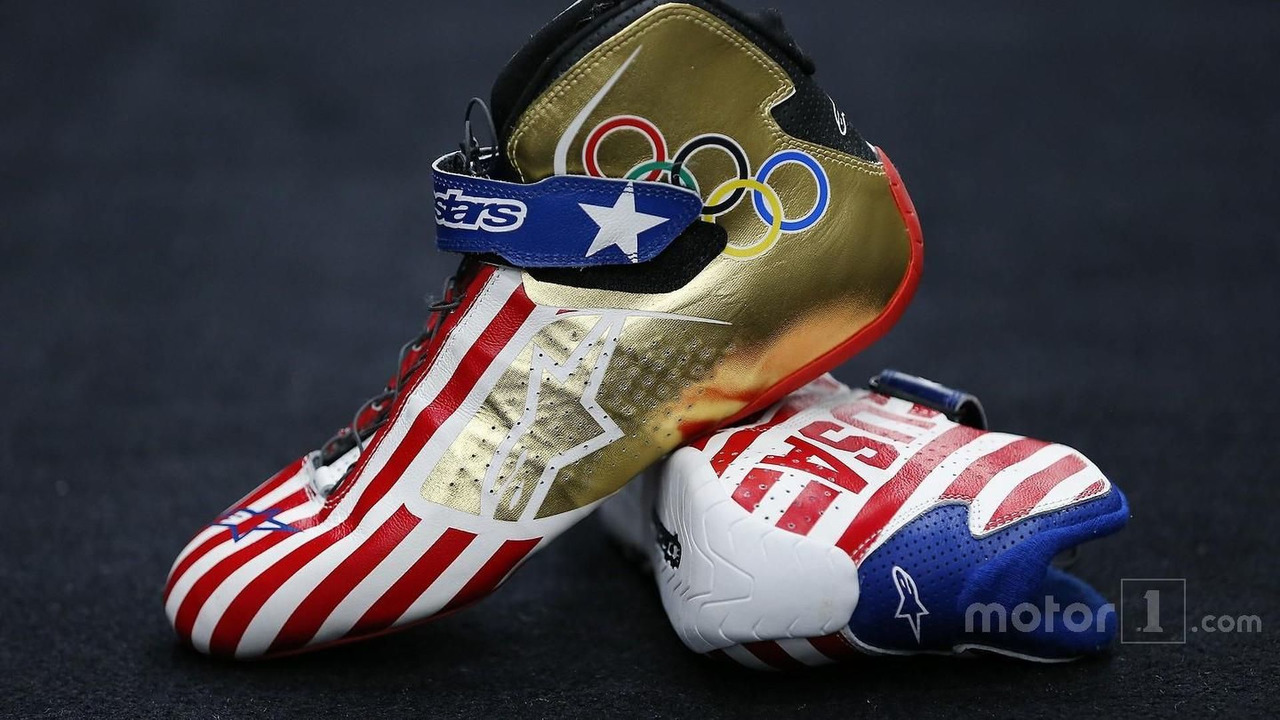 Kurt Busch, Stewart-Haas Racing Chevrolet, Olympic-themed racing shoes