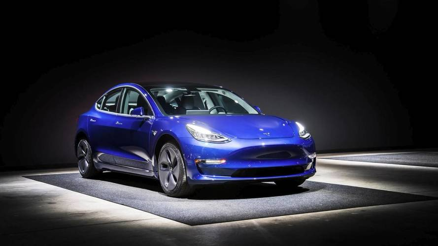 Retardée, la production de la Tesla Model 3 peine à décoller