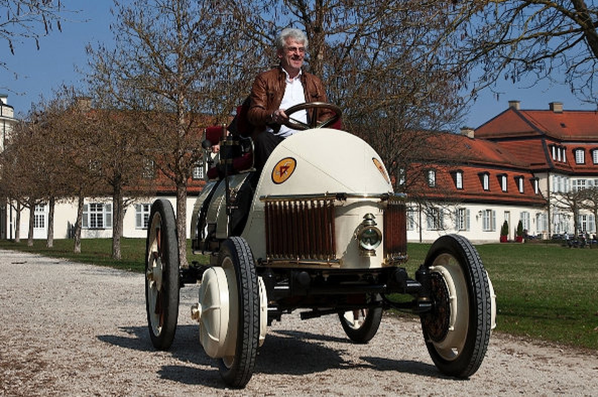 "A Porsche Hybrid from 1900: Meet the ""Semper Vivus"""