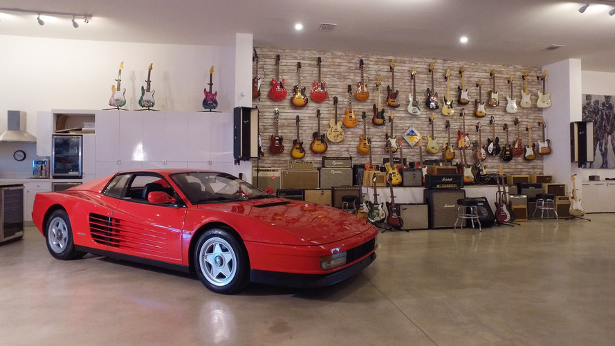 Vintage cars & guitars joint worth the trip to Miami