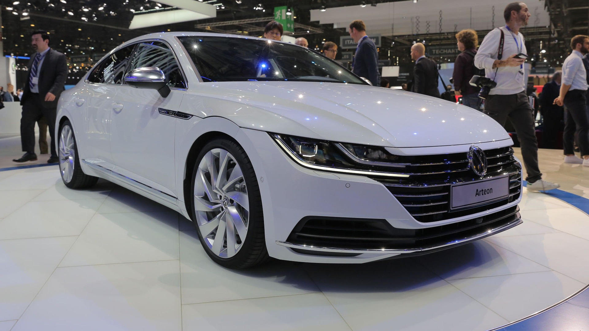 vw arteon can now be ordered in germany from 49 325. Black Bedroom Furniture Sets. Home Design Ideas