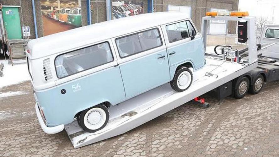 Last ever Volkswagen Kombi arrives at Hanover museum