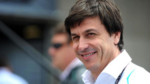 Wolff hits out at F1 'opportunists'