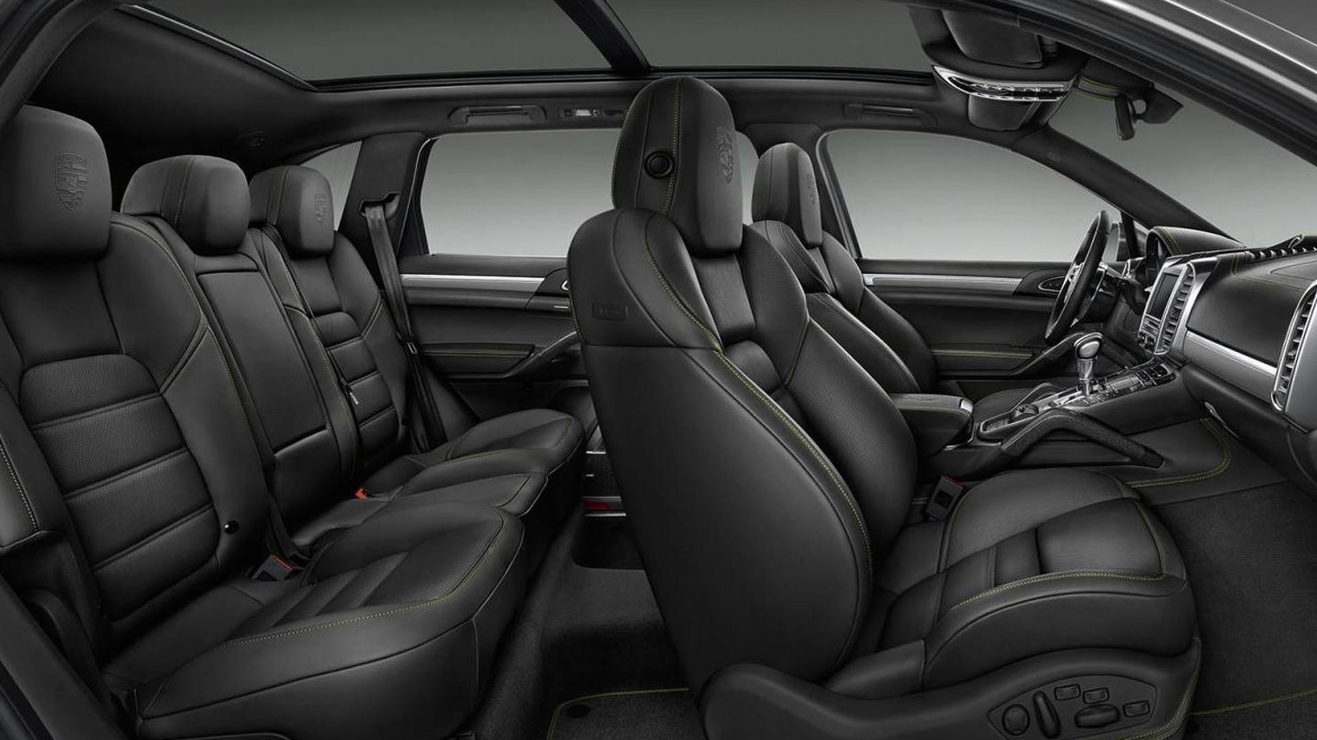 Фото салона Porsche Cayenne S E-Hybrid от Porsche Exclusive