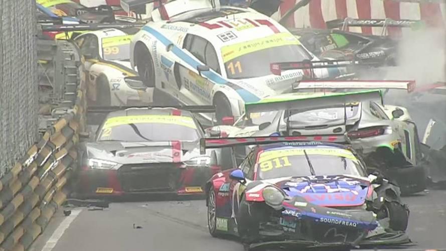 Macau GT Qualifying Race Suspended After Huge Pileup