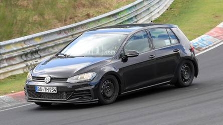 2019 Volkswagen Golf spotted for the first time