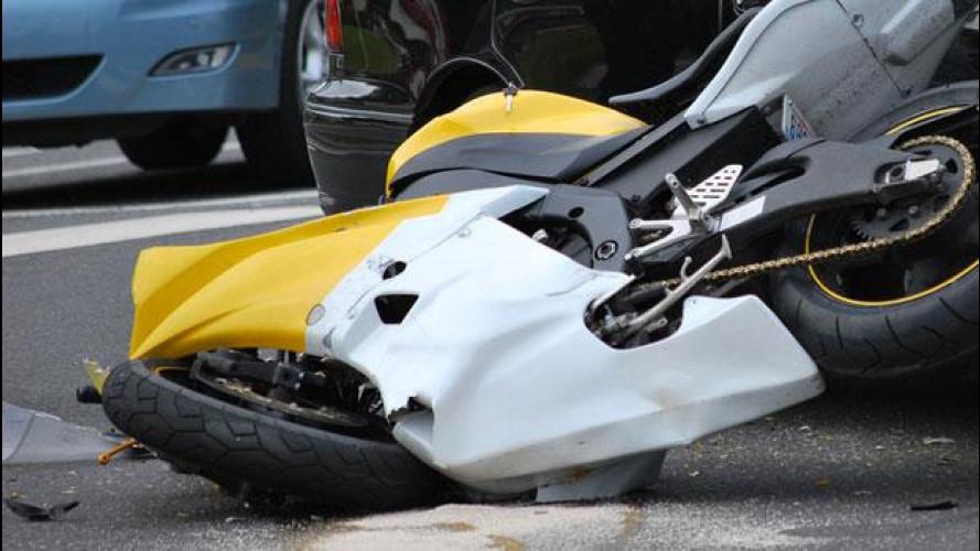 Incidente: moto impenna? Automobilista colpevole