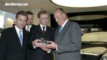 King Juan Carlos I visits Maybach C.O.E