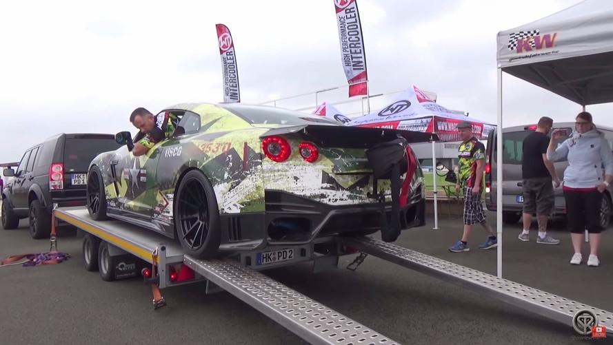 Ilyen az, amikor egy 2000 lóerős Nissan GT-R megmakacsolja magát