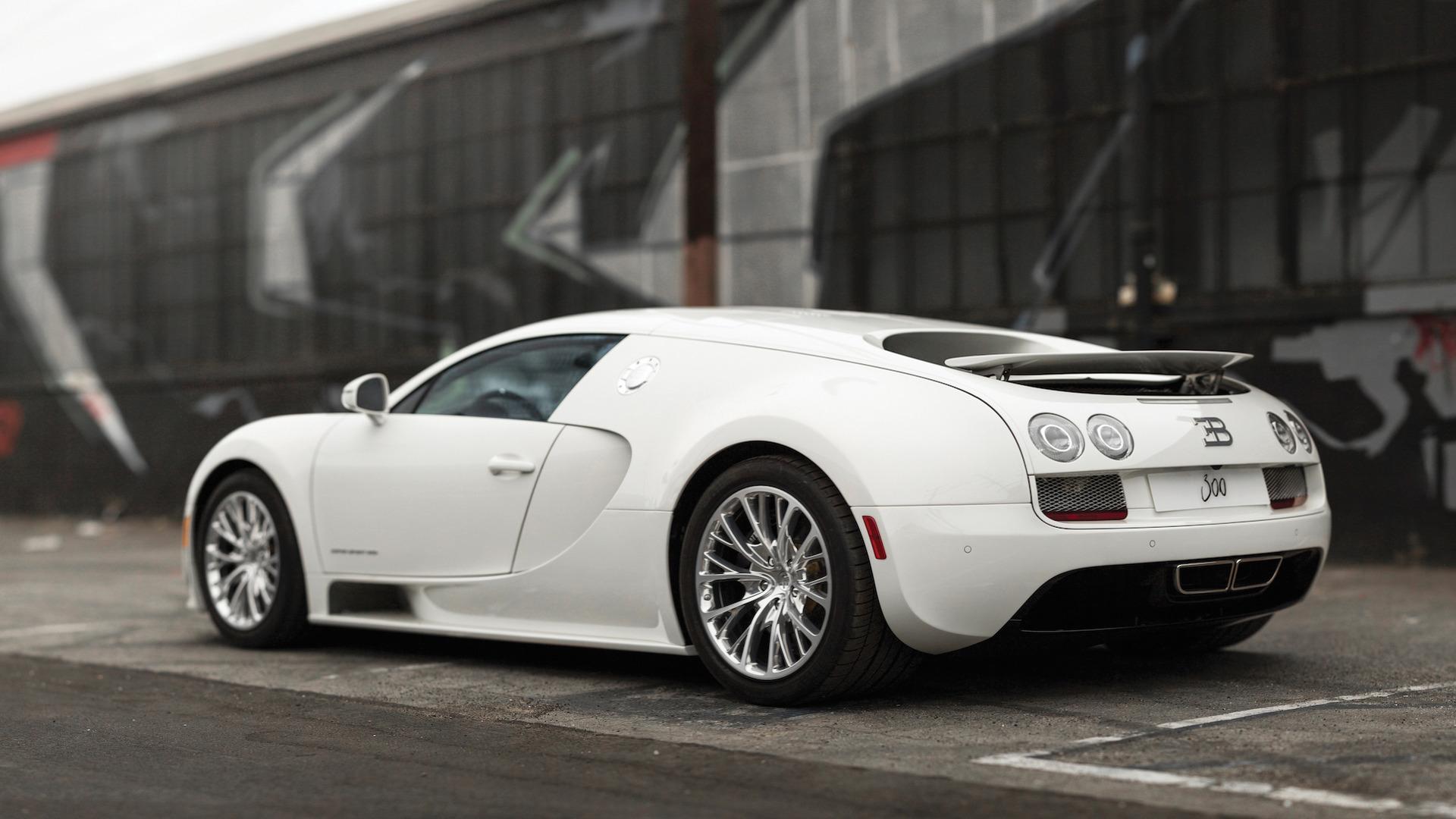 last-bugatti-veyron-super-sport-coupe-auction Stunning Bugatti Veyron Super Sport White Cars Trend