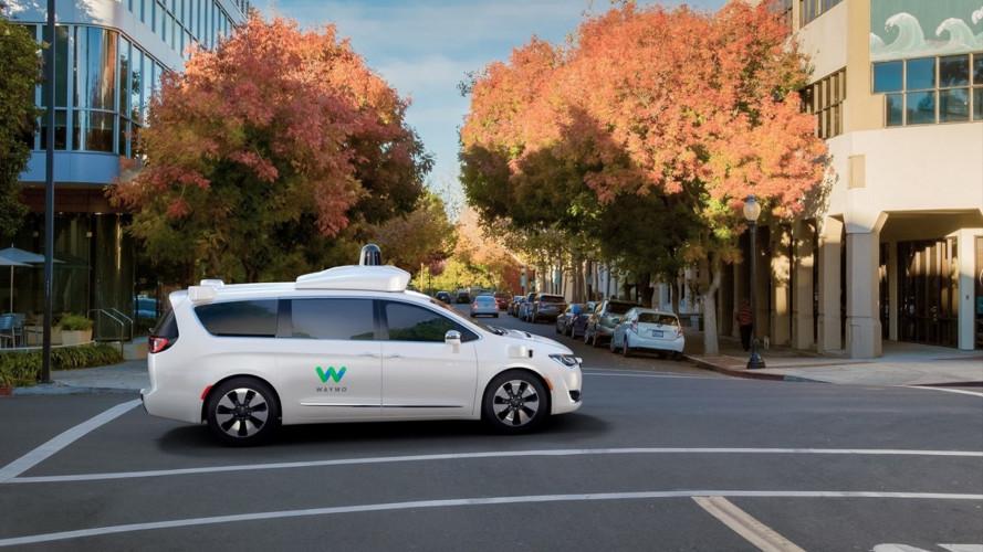 Guida autonoma, Uber prova a fare pace con Google