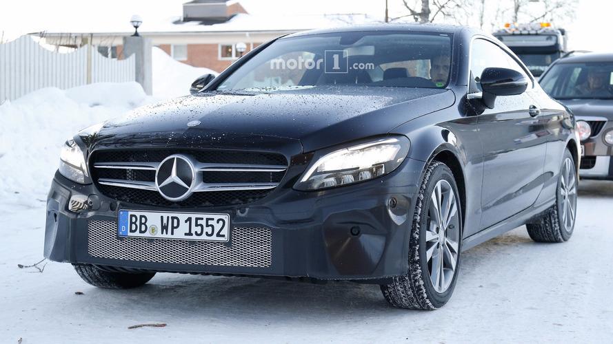 Mercedes C-Sınıfı Coupe yeni farlarıyla görüntülendi