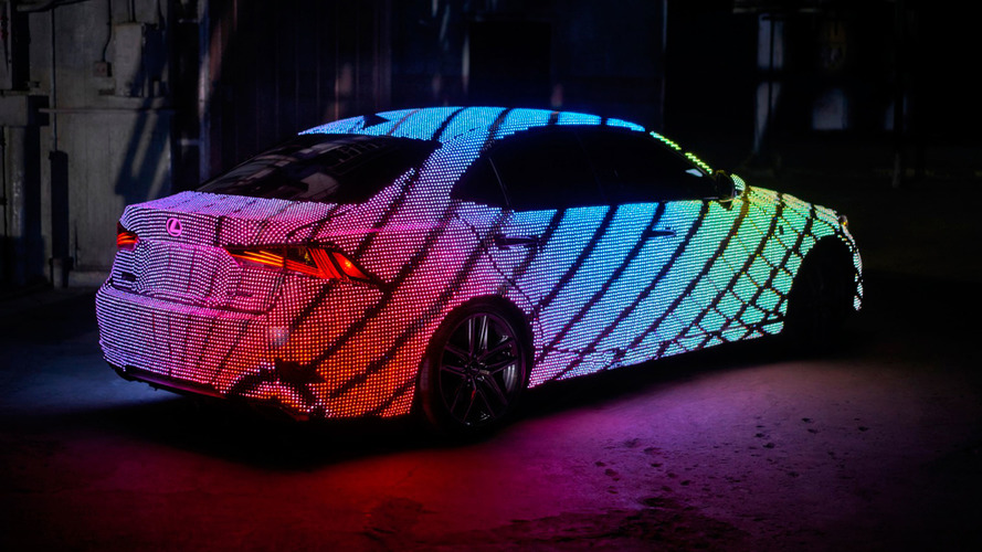 Lexus LIT IS - 41'999 LED sur la carrosserie et un spectacle remarquable