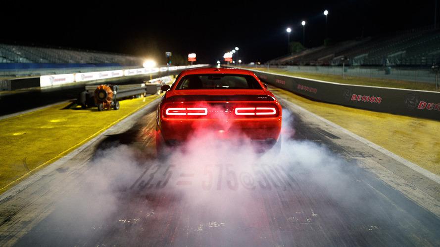 Dodge Challenger SRT Demon bu sefer de drag odaklı süspansiyonunu sergiledi