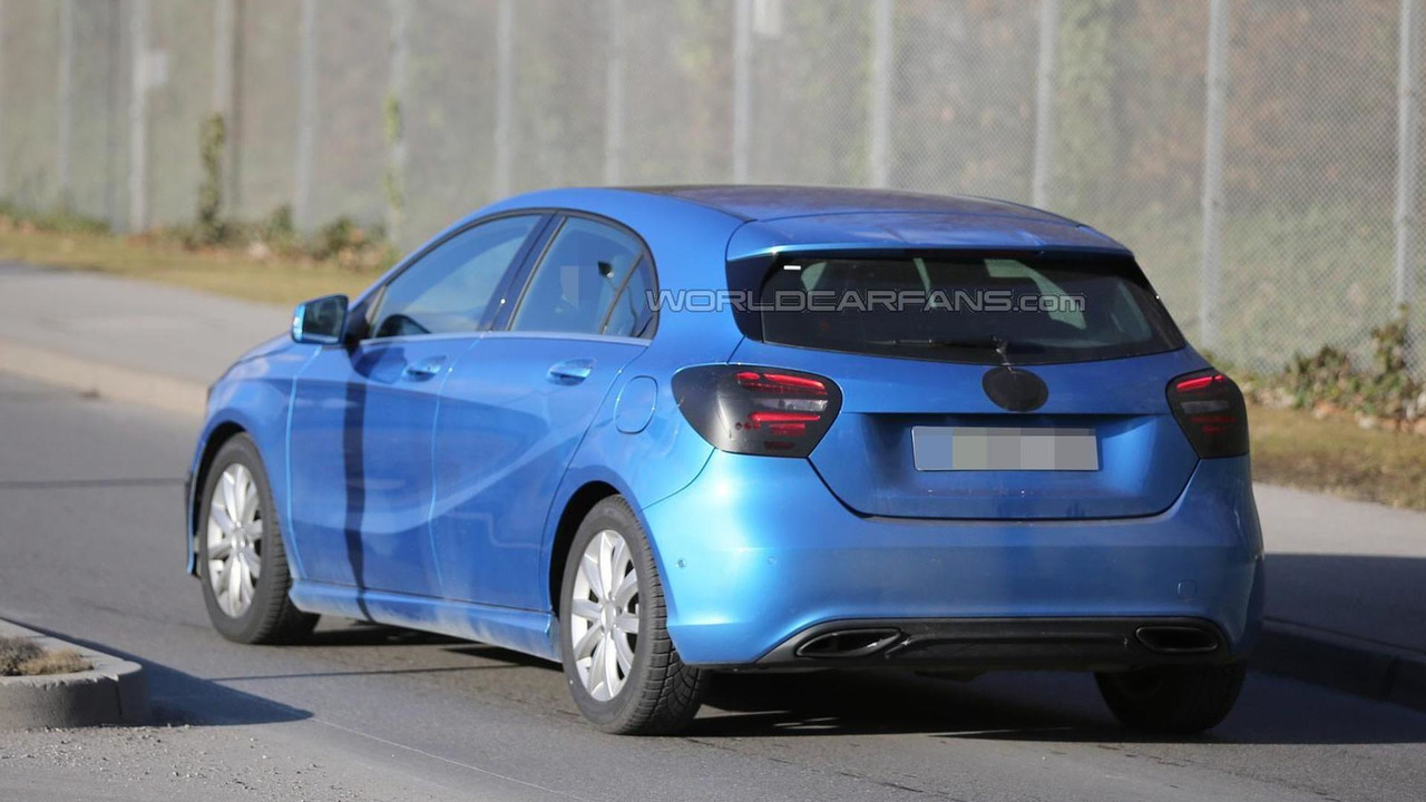 2016 Mercedes-Benz A-Class facelift spy photo
