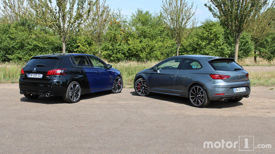 essai comparatif la peugeot 308 gti affronte la seat le n cupra 300. Black Bedroom Furniture Sets. Home Design Ideas