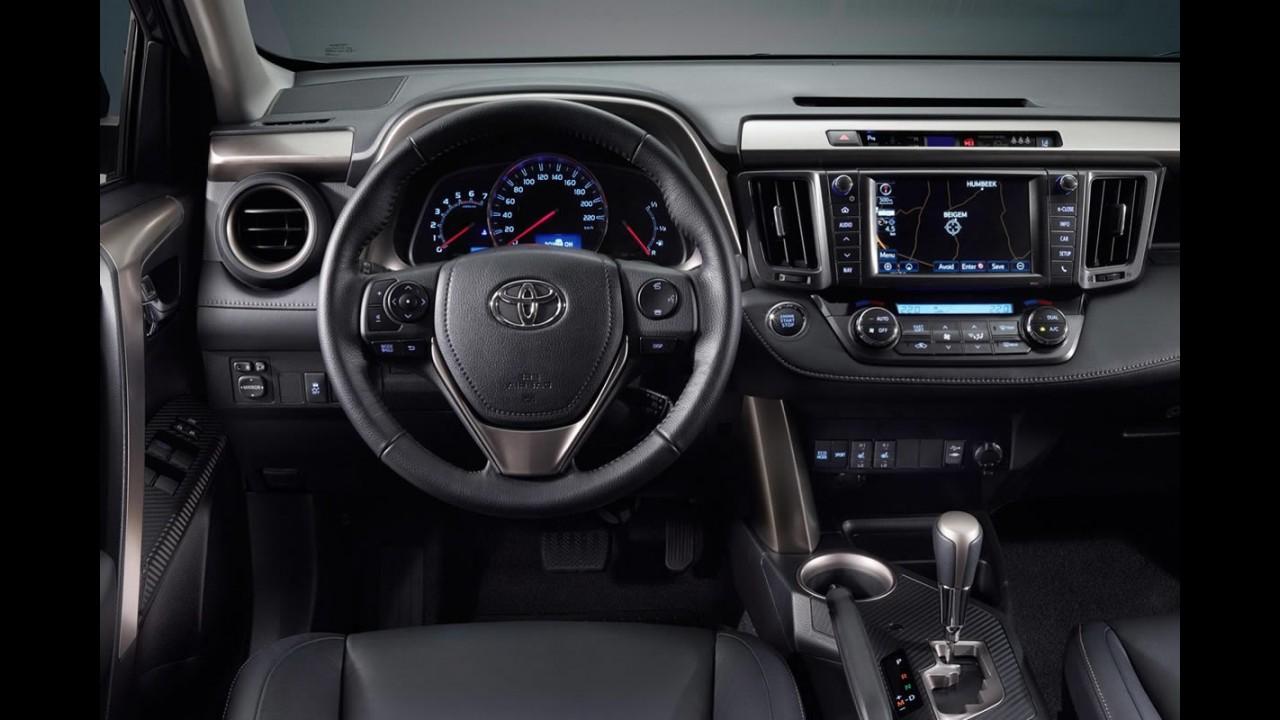 Novo Toyota RAV4 2013 aparece por completo - Veja os detalhes com fotos em alta resolução