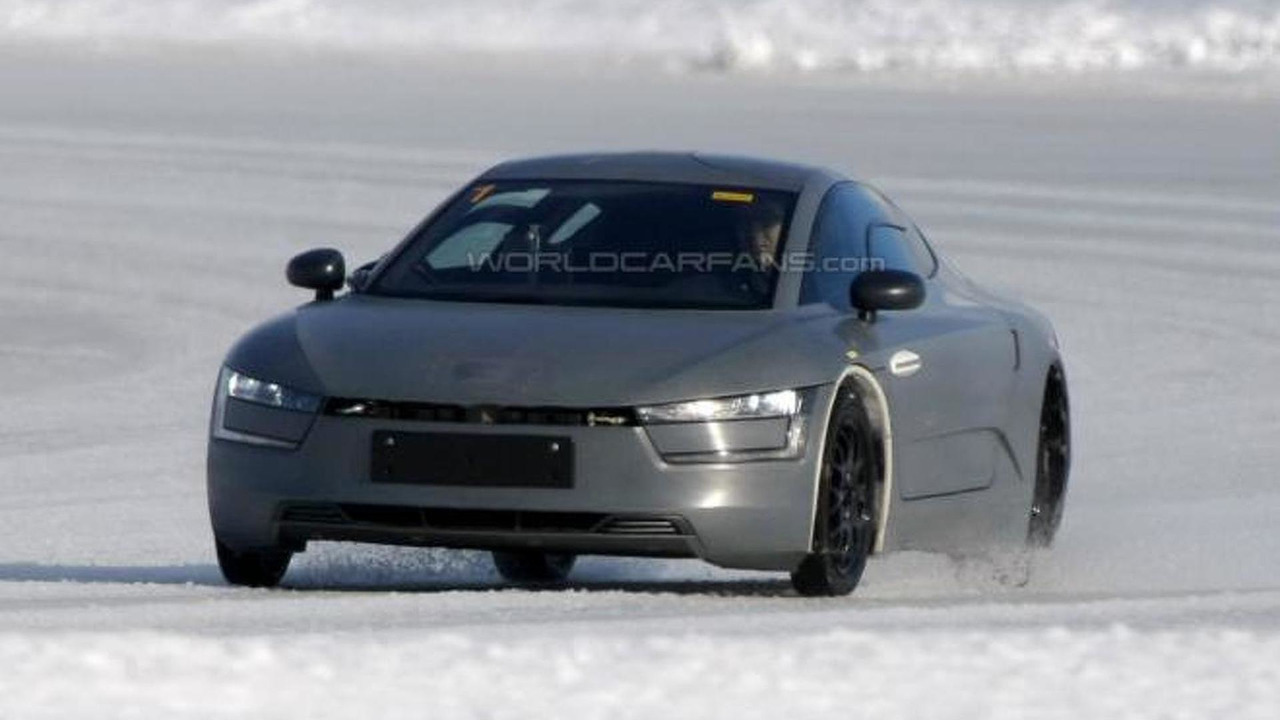 Volkswagen XL1 prototype spy photo