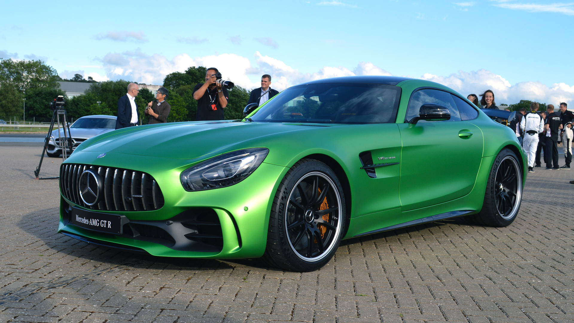 lewis hamilton helps launch mercedes amg gt r plus new variants coming. Black Bedroom Furniture Sets. Home Design Ideas