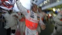 Hamilton wins 2008 Formula 1 World Championship