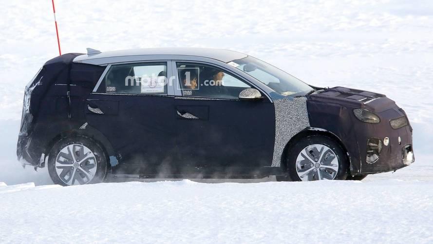 Kia Niro EV Spied Testing In Heavy Winter Conditions