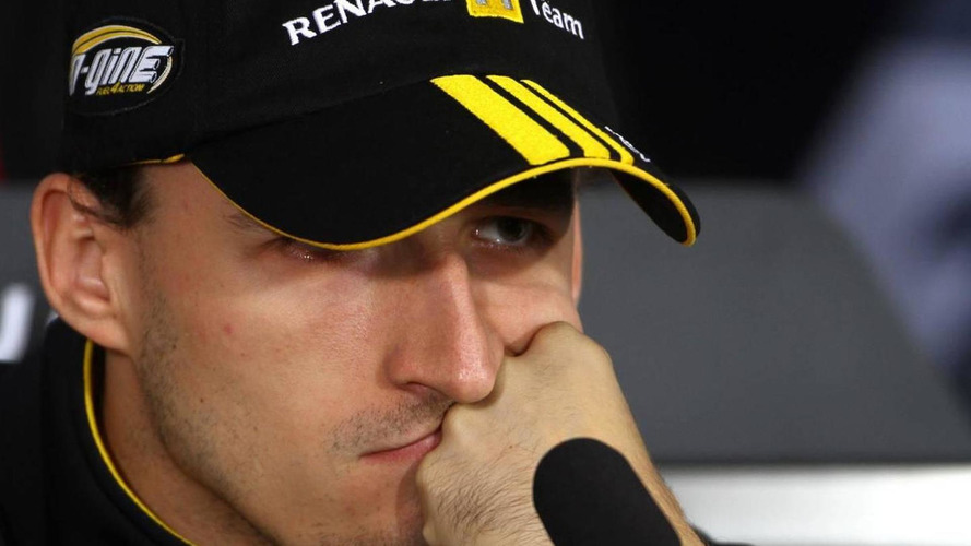 Kubica cautious before Renault runs low exhausts