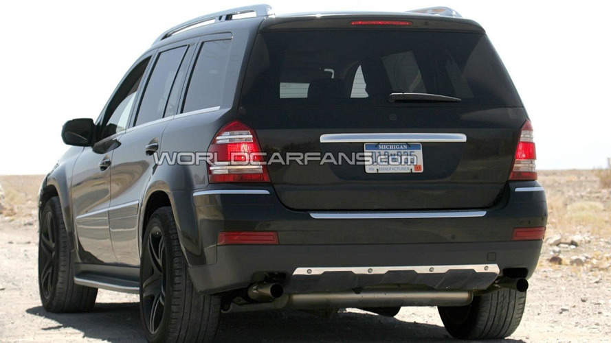 Mercedes GL-Class with AMG package spied in the desert