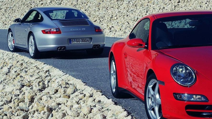 Explosion halts Porsche 911 production