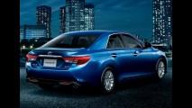 Toyota Mark X 2013 - Versão japonesa do Camry ganha visual renovado