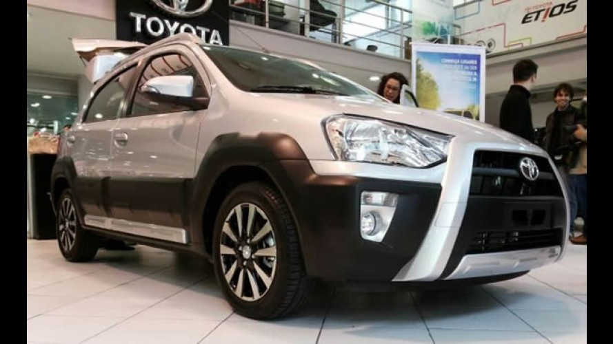 Toyota lança Etios Cross: hatch com visual aventureiro custa R$ 45.690