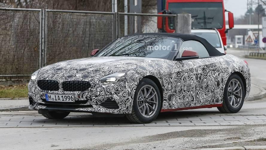 BMW Z4 2019 aparece com menos camuflagem