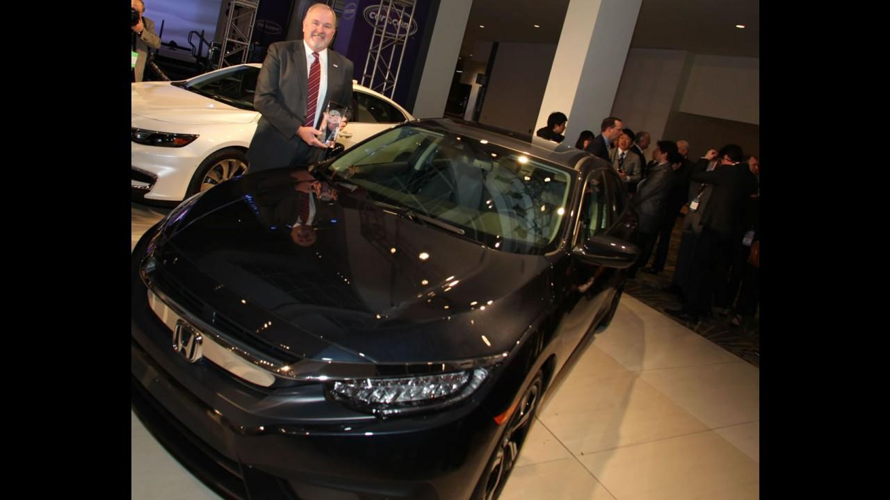 """Salão de Detroit: Civic 2016 é o vencedor do """"North American Car of The Year"""""""