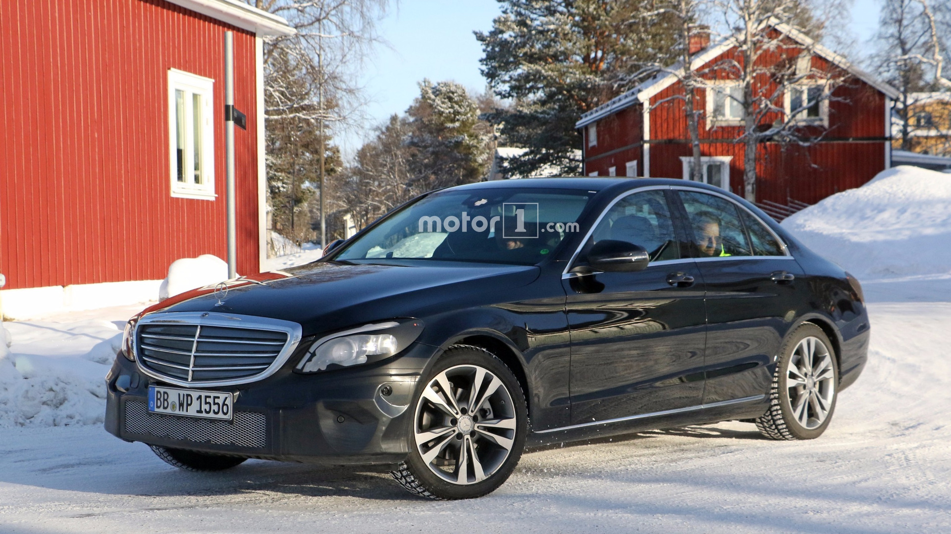 2018 mercedes c class spotted with production headlights taillights. Black Bedroom Furniture Sets. Home Design Ideas