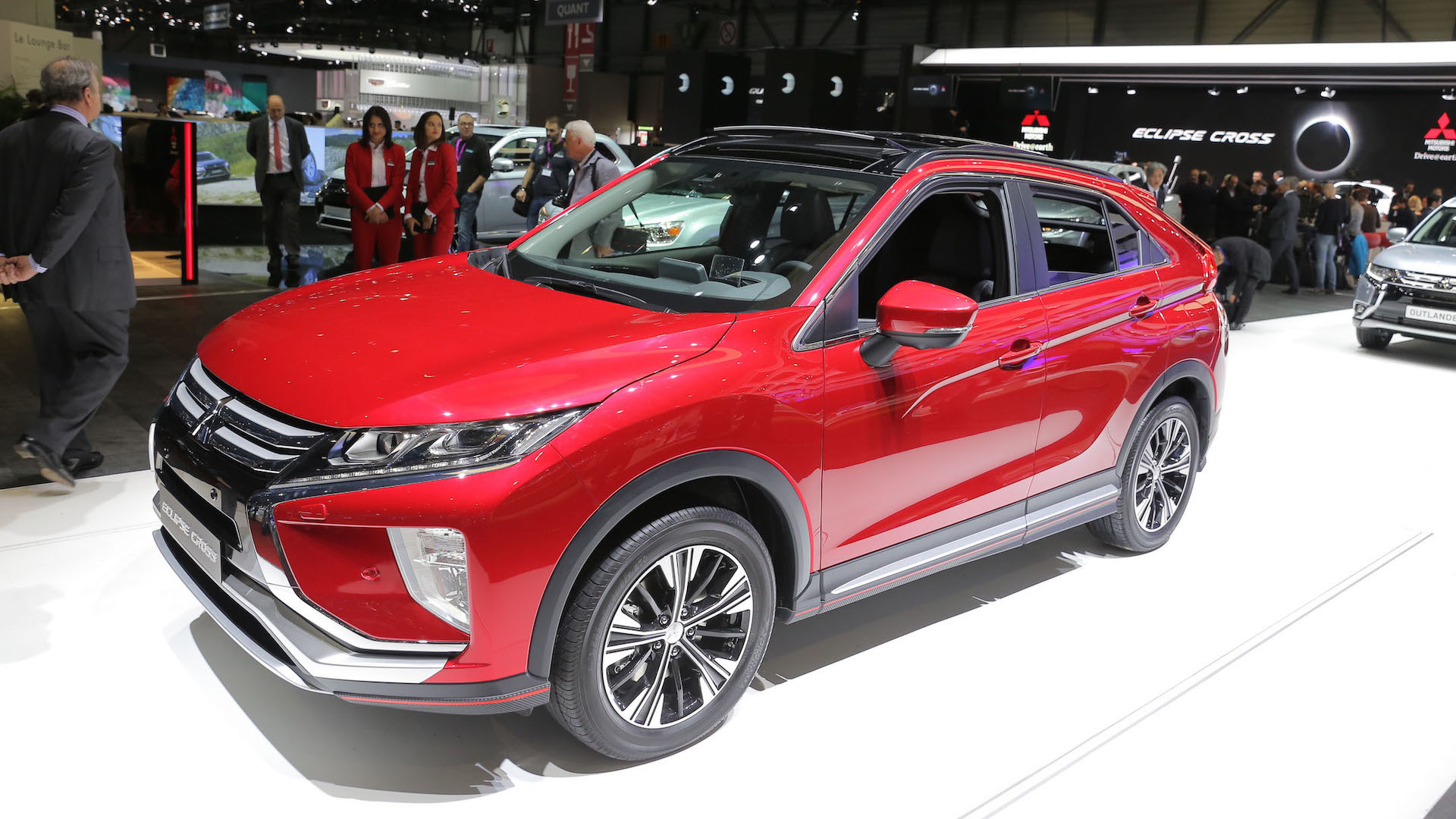 mitsubishi eclipse cross shows new direction for storied nameplate. Black Bedroom Furniture Sets. Home Design Ideas