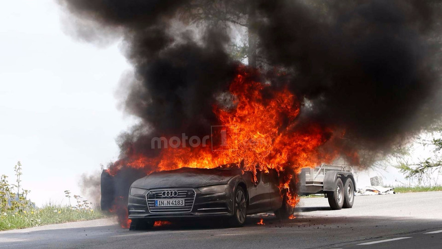 2019 Audi A7 test aracı Alp Dağları'nda alev alev yandı!