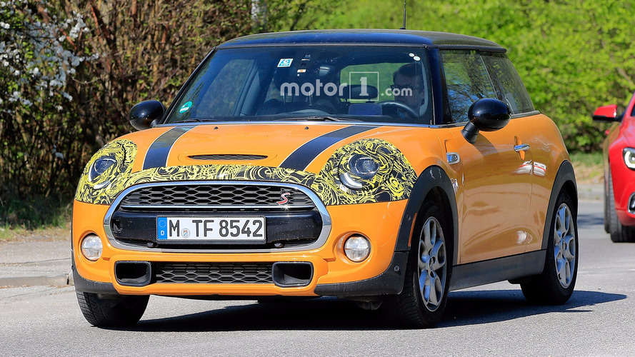 Refreshed Mini Hatch Spied With Tweaked Lights