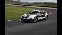 Audi RS 7, lei corre da sola [VIDEO]